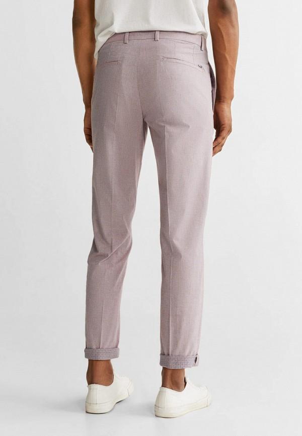 Фото 3 - Мужские брюки Mango Man розового цвета