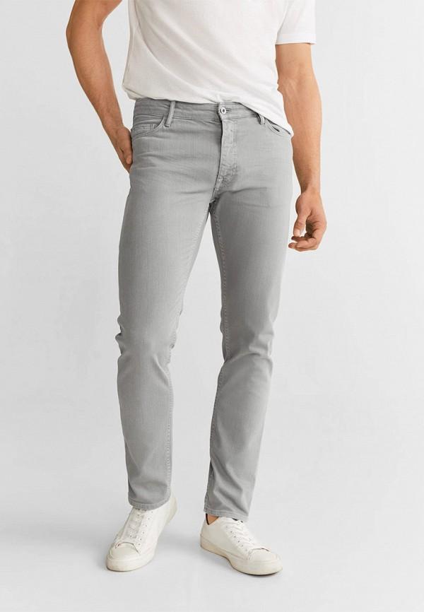 Фото - Мужские джинсы Mango Man серого цвета