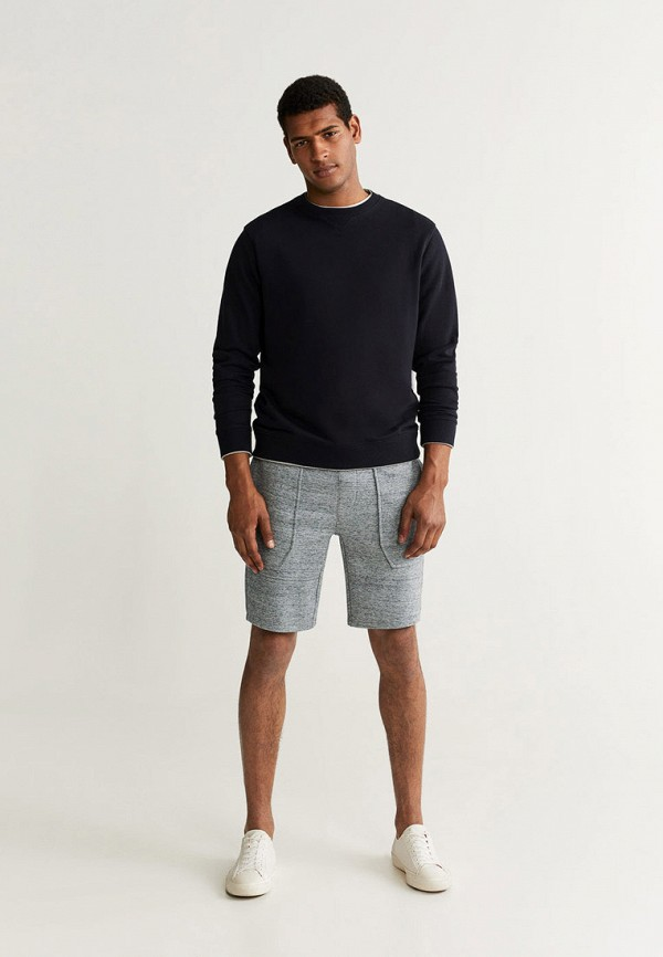 Фото 2 - мужские шорты Mango Man серого цвета