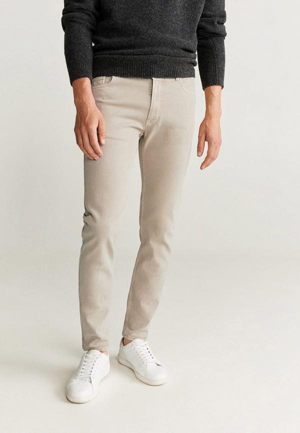 Фото - мужские джинсы Mango Man бежевого цвета