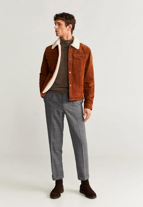 Фото 2 - мужские брюки Mango Man серого цвета