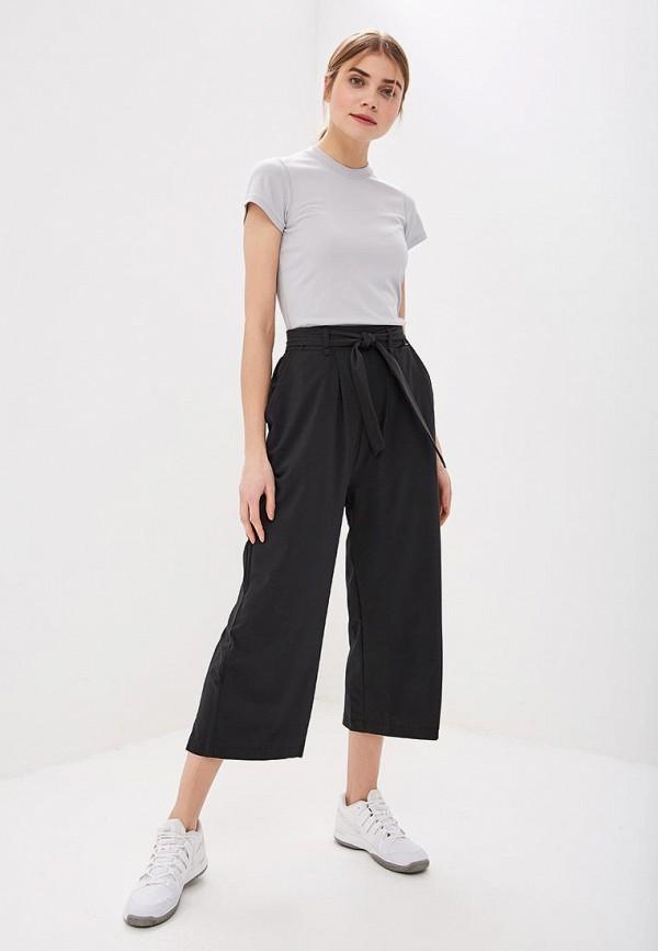 Фото 2 - женские брюки Helly Hansen черного цвета