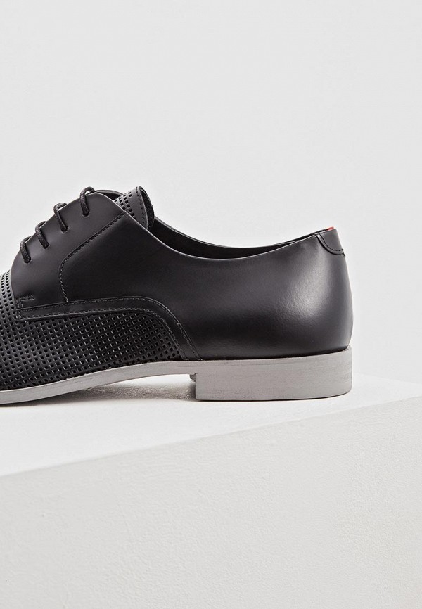 Фото 4 - мужские туфли Hugo черного цвета