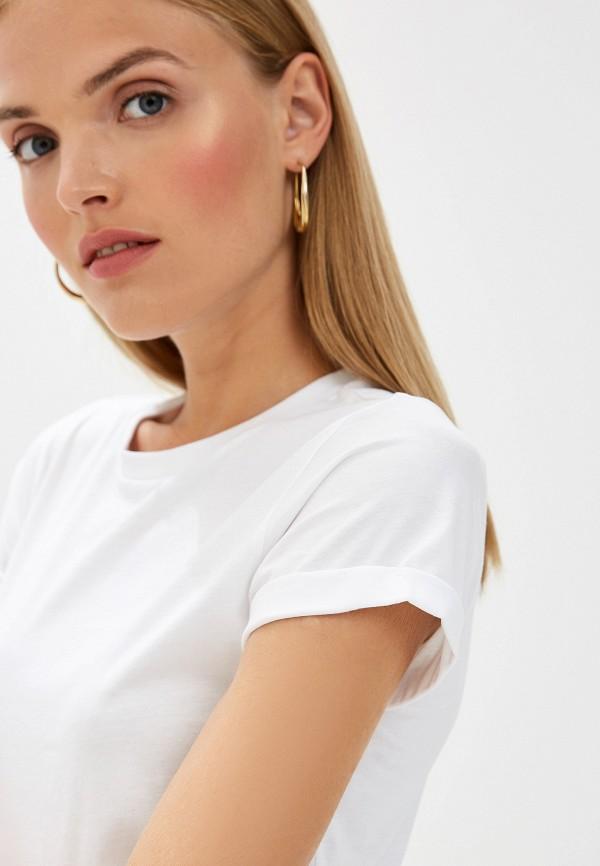 Фото 4 - женскую футболку Hugo Hugo Boss белого цвета