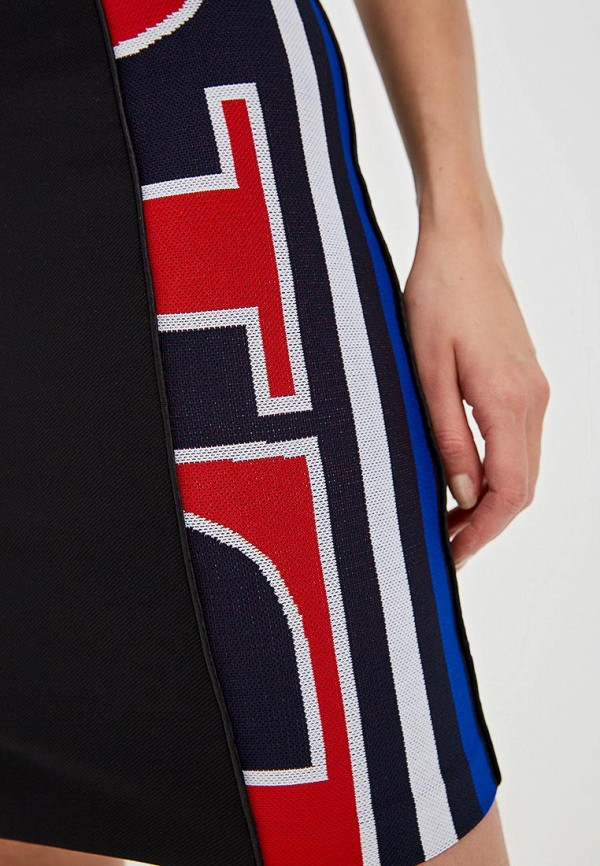 Фото 4 - женскую юбку Iceberg черного цвета
