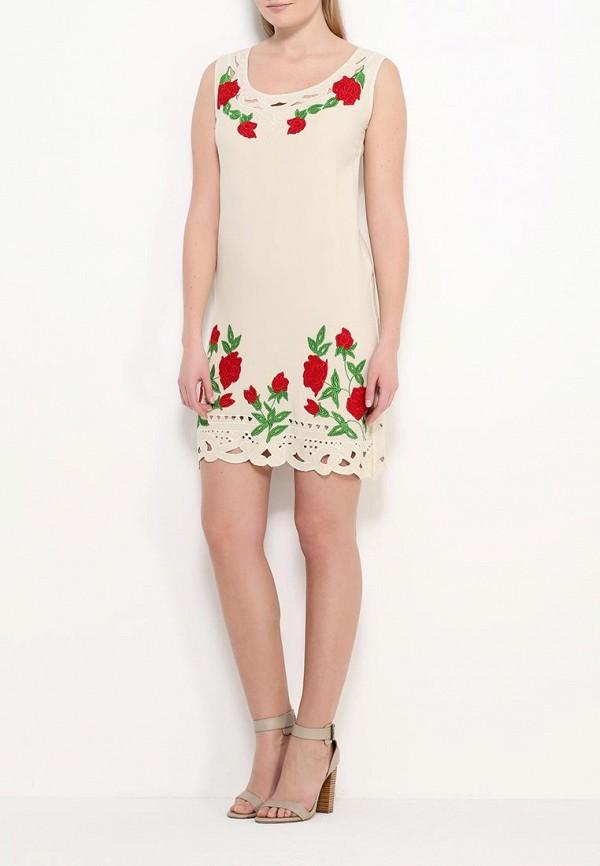 Фото 2 - женское платье Indiano Natural бежевого цвета
