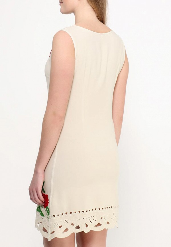 Фото 4 - женское платье Indiano Natural бежевого цвета