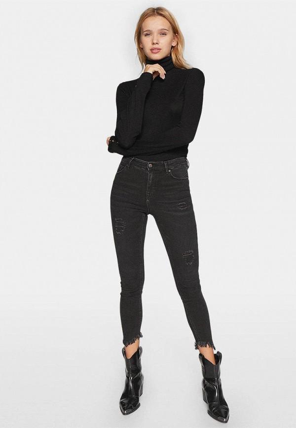 Фото - Женские джинсы Stradivarius серого цвета