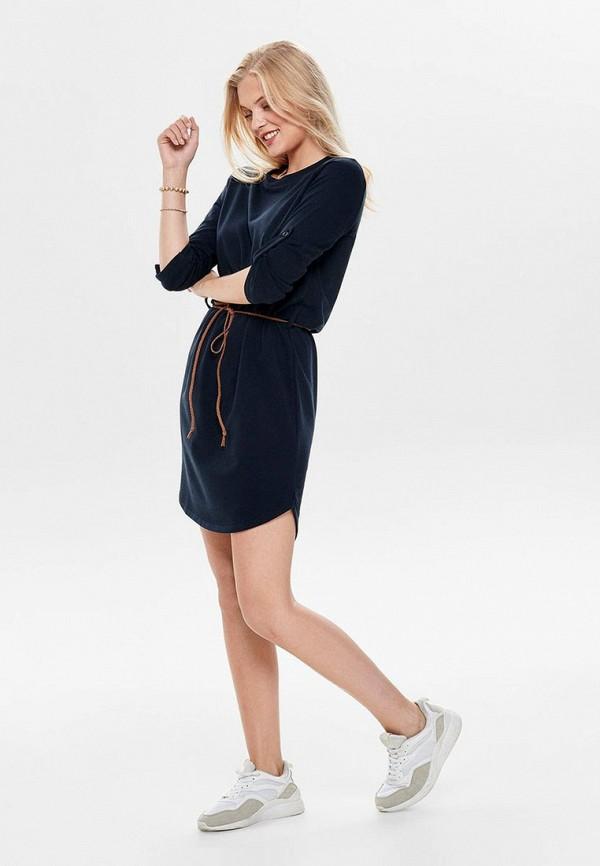 Фото 2 - женское платье Jacqueline de Yong синего цвета