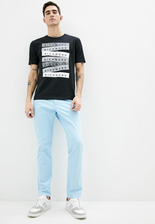 Фото 2 - Мужскую футболку John Richmond черного цвета
