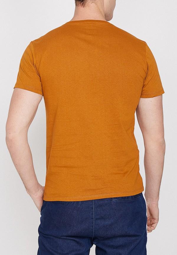 Фото 2 - мужскую футболку Koton оранжевого цвета