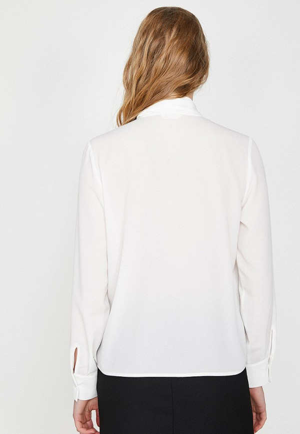 Фото 2 - Женскую блузку Koton белого цвета