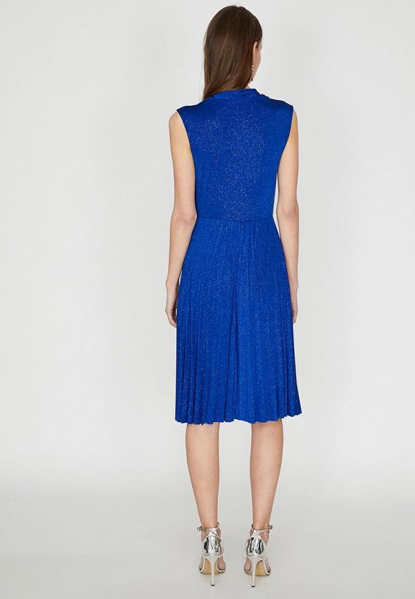 Фото 2 - Женское вечернее платье Koton синего цвета
