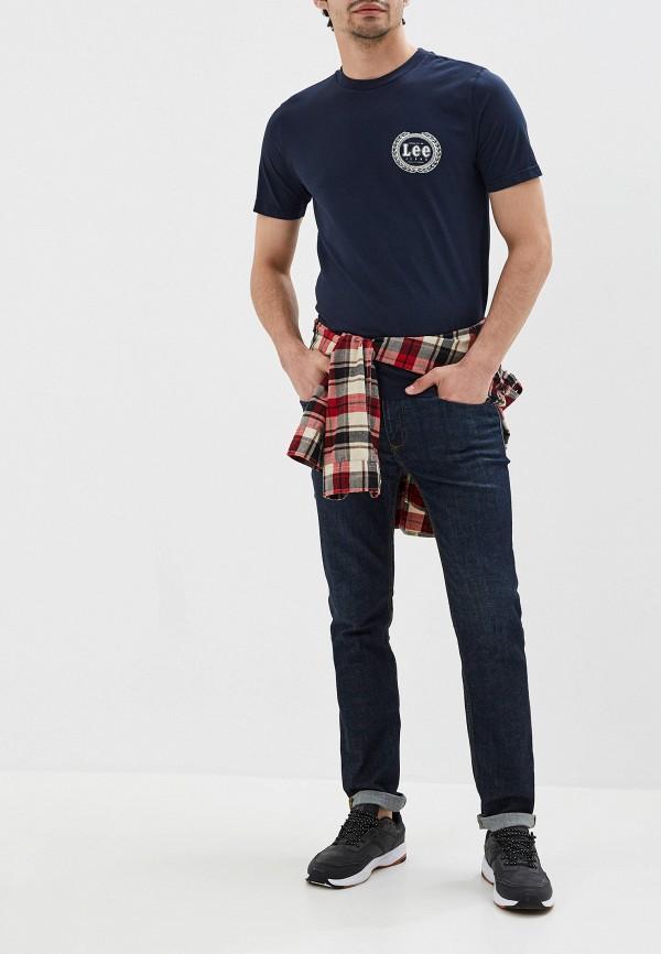 Фото 2 - Мужскую футболку Lee синего цвета