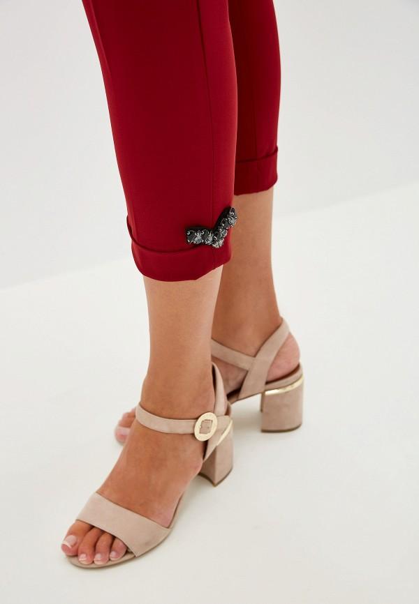 Фото 4 - женские брюки Liu Jo бордового цвета