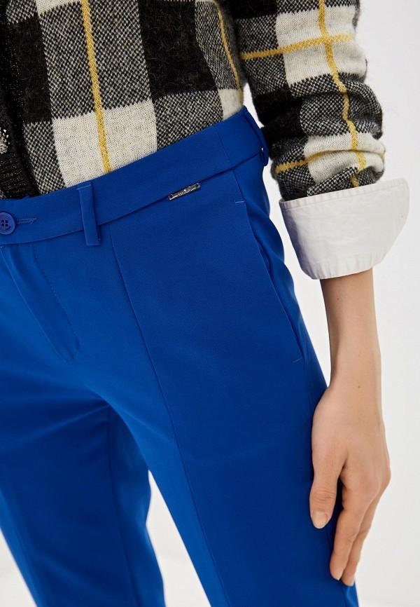 Фото 4 - женские брюки Liu Jo синего цвета