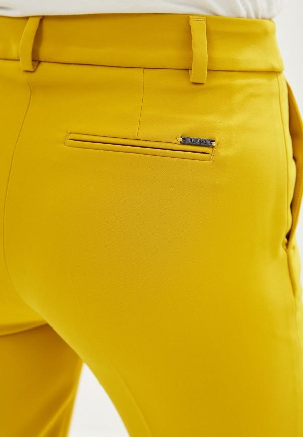 Фото 4 - женские брюки Liu Jo желтого цвета