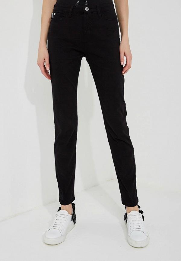 Фото - женские джинсы Love Moschino черного цвета