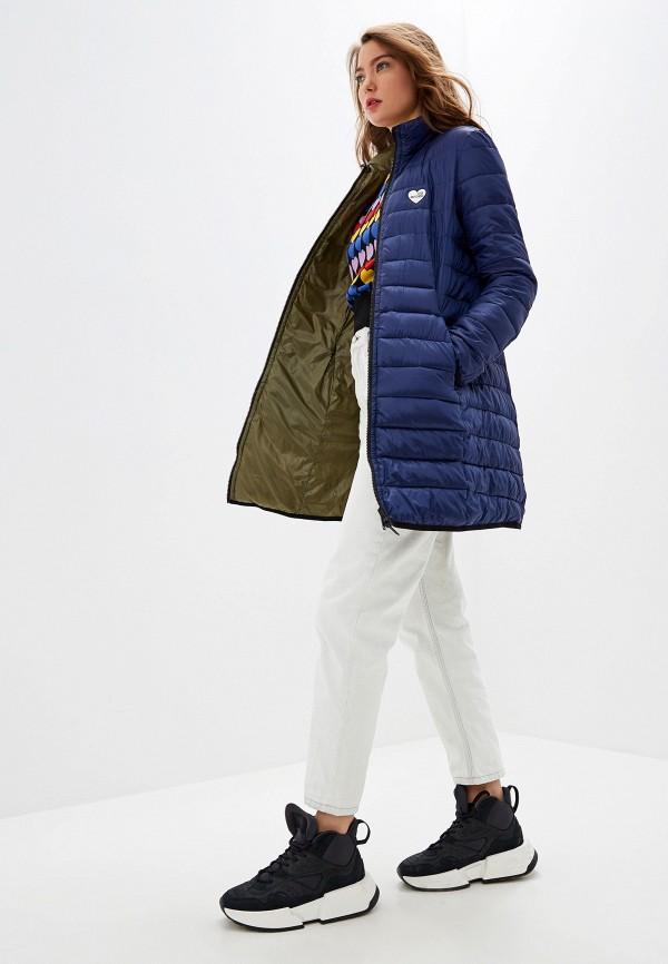 Фото 2 - Куртку утепленная Love Moschino разноцветного цвета