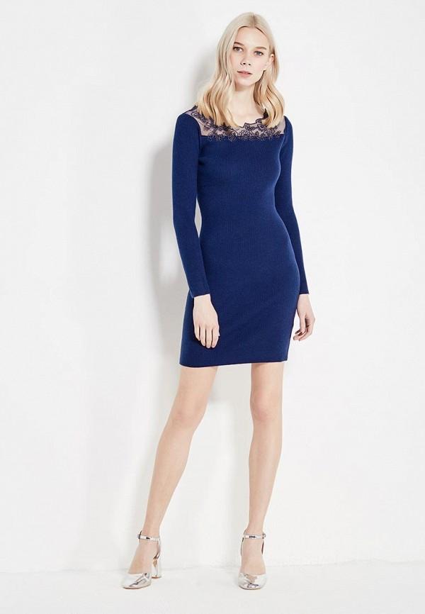 Фото 2 - женское вязаное платье Lusio синего цвета