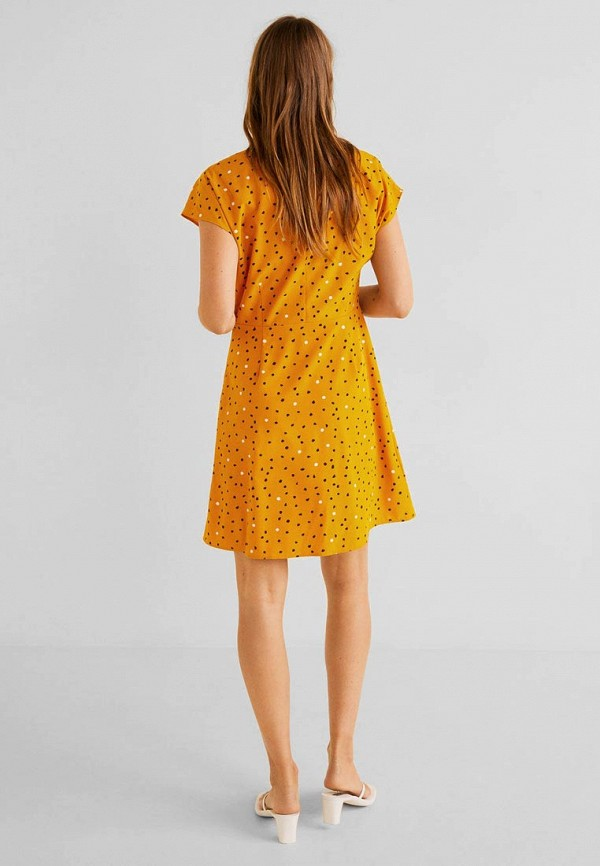 Фото 2 - женское платье Mango желтого цвета