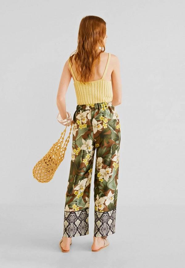 Фото 3 - женские брюки Mango разноцветного цвета