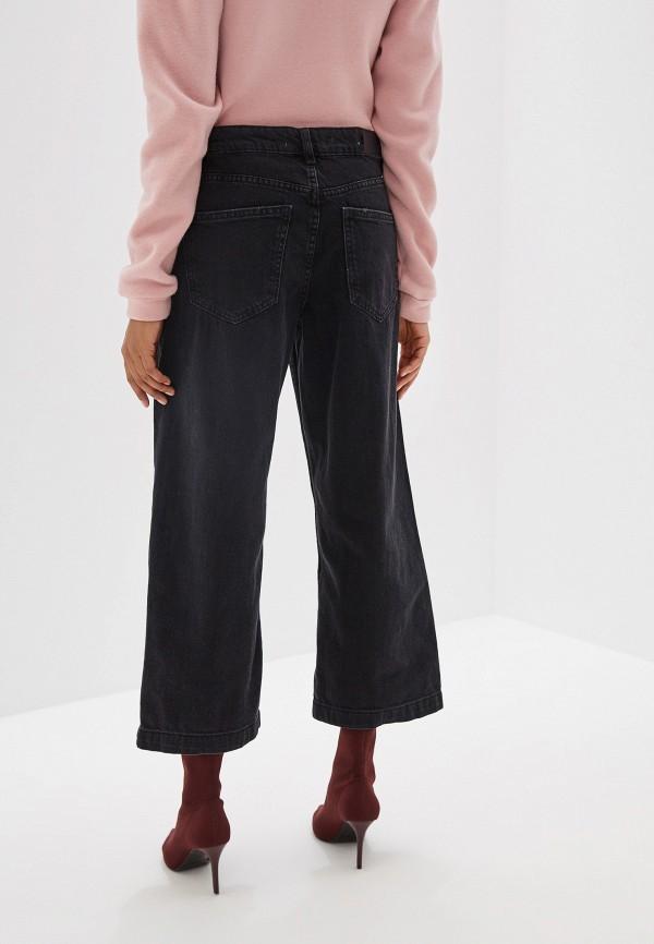 Фото 3 - женские джинсы Mango серого цвета