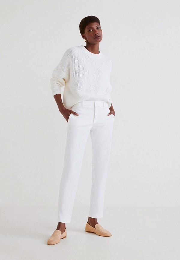 Фото 2 - женские брюки Mango белого цвета