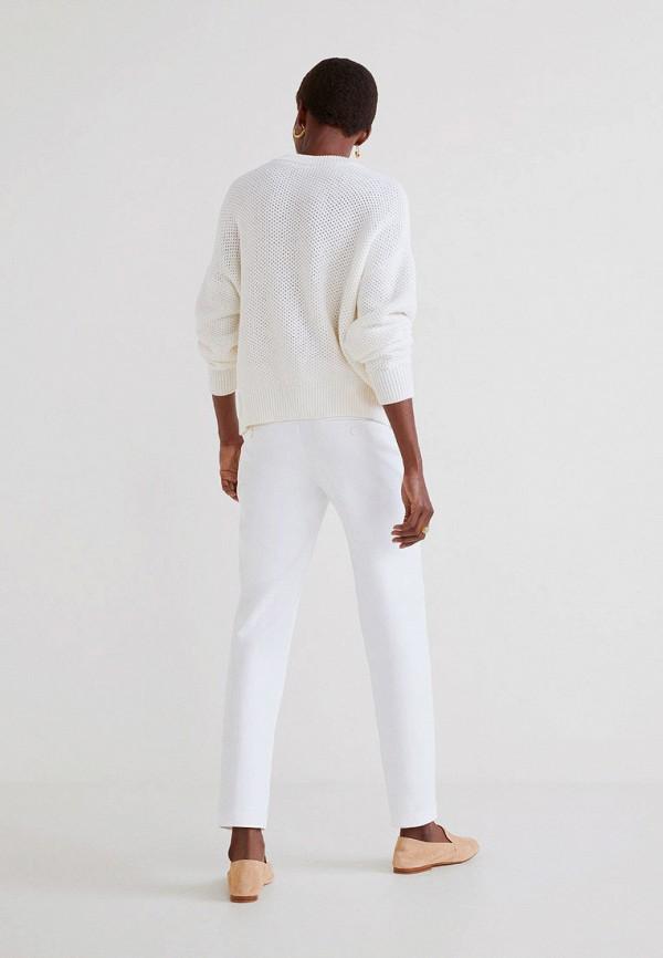 Фото 3 - женские брюки Mango белого цвета