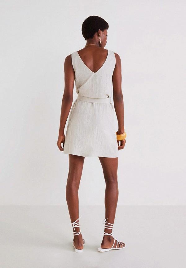 Фото 3 - женское платье Mango серого цвета