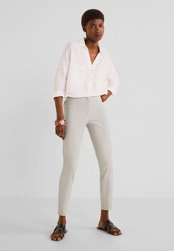 Фото 2 - женские брюки Mango серого цвета