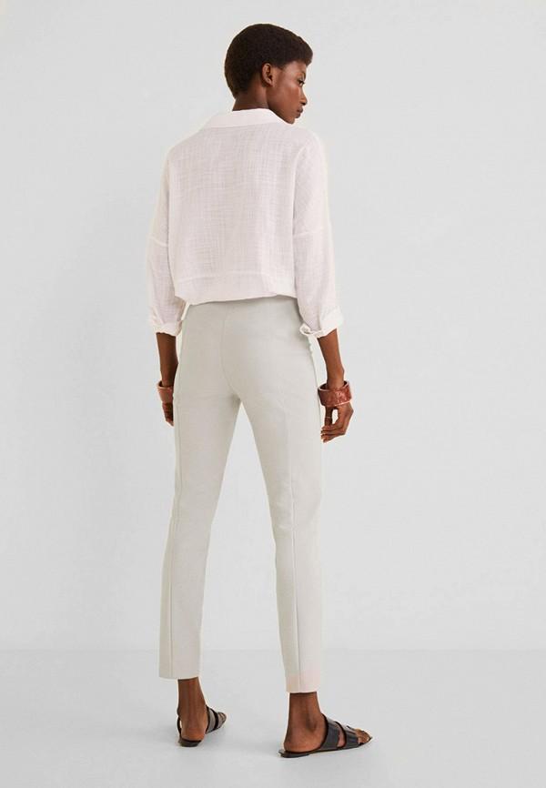 Фото 3 - женские брюки Mango серого цвета
