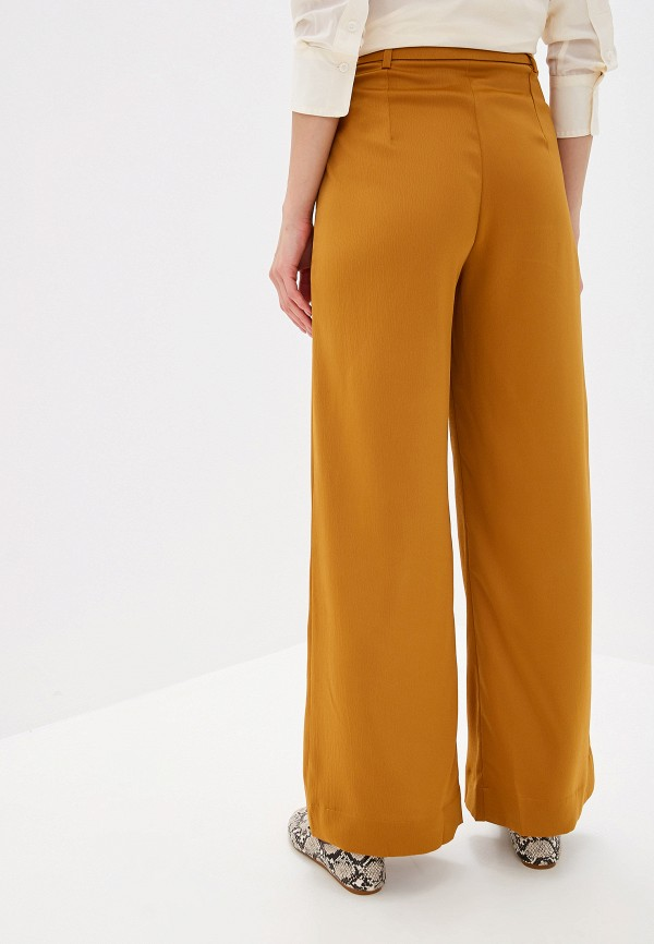 Фото 3 - женские брюки Mango коричневого цвета