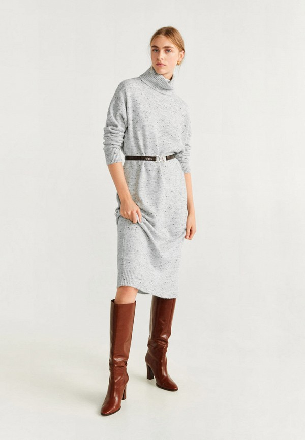 Фото 2 - женское вязаное платье Mango серого цвета