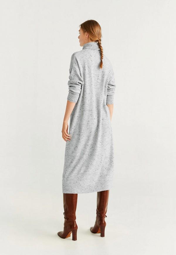 Фото 3 - женское вязаное платье Mango серого цвета