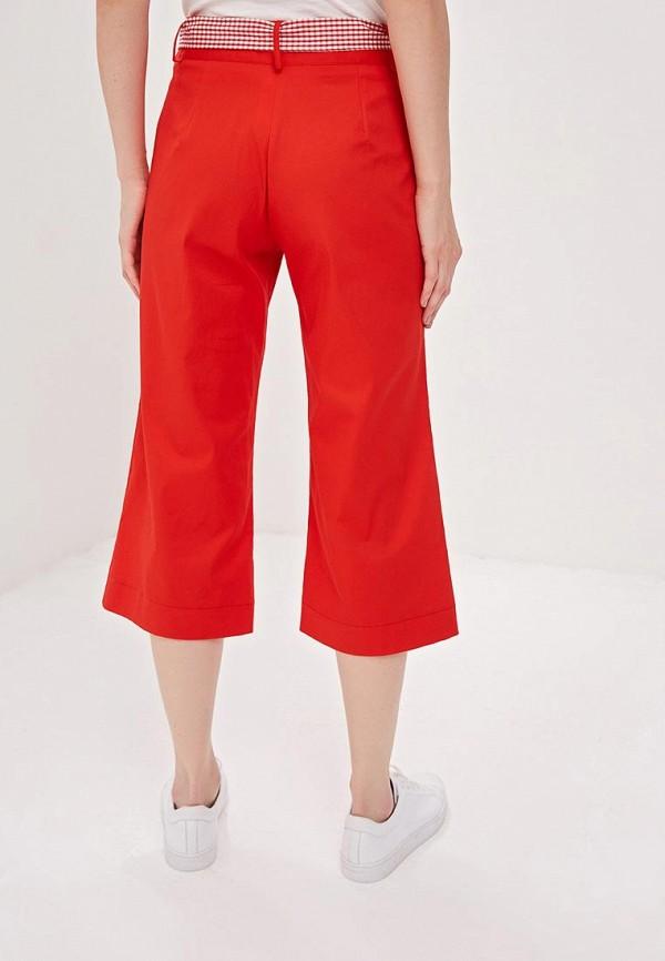Фото 3 - женские брюки Massimiliano Bini красного цвета