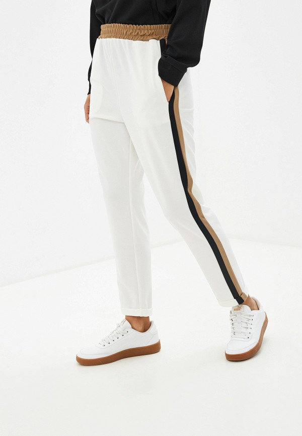 Фото - женские брюки Massimiliano Bini белого цвета