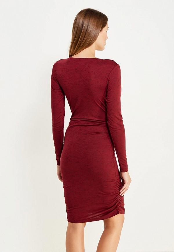 Фото 3 - женское платье Mamalicious бордового цвета