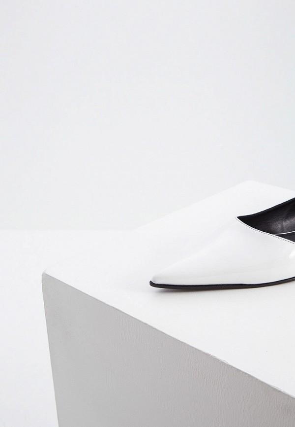 Фото 2 - женские туфли MM6 Maison Margiela белого цвета