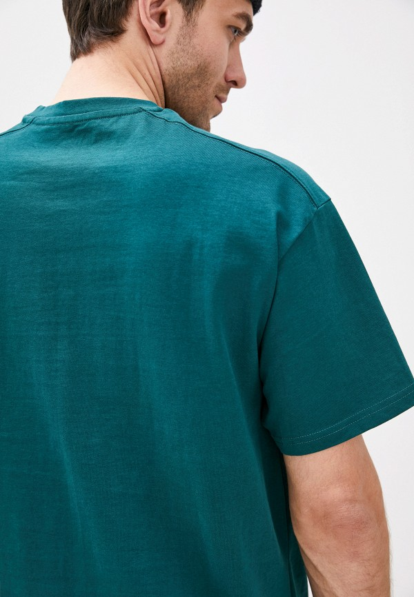 Фото 4 - Мужскую футболку Befree бирюзового цвета