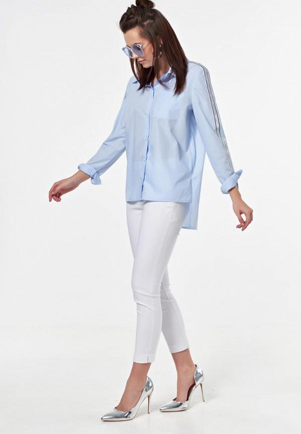 Фото 2 - Женскую рубашку Fly голубого цвета