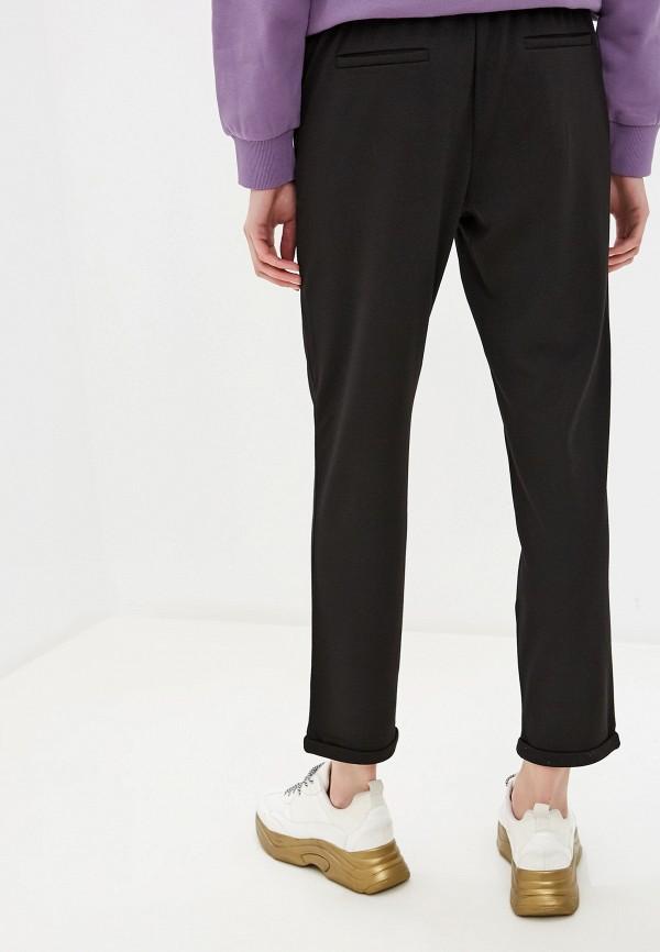 Фото 3 - Женские брюки Befree черного цвета