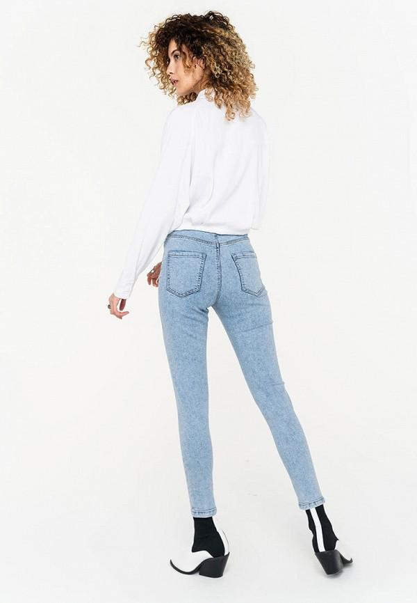 Фото 3 - Женские джинсы Befree голубого цвета