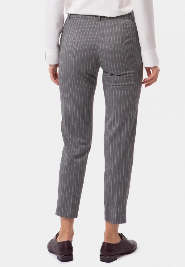 Фото 3 - Женские брюки Vladi Collection серого цвета