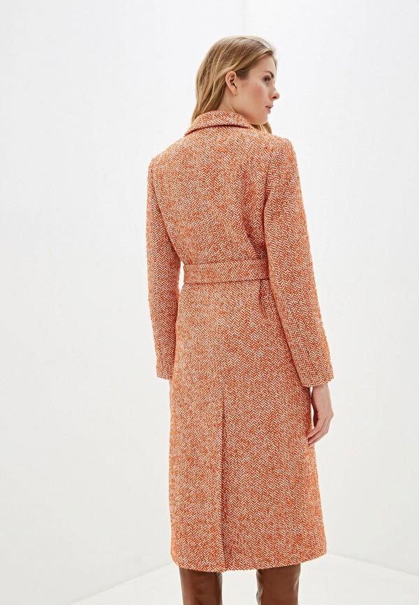 Фото 3 - Женское пальто или плащ Aylin Stories оранжевого цвета