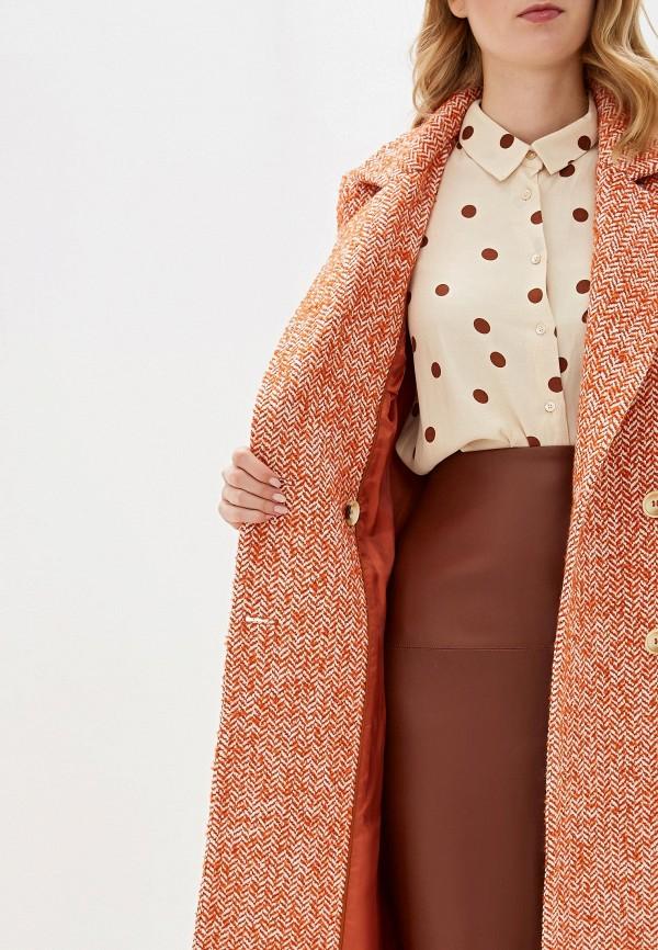 Фото 4 - Женское пальто или плащ Aylin Stories оранжевого цвета
