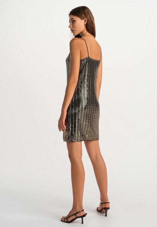 Фото 3 - Женское вечернее платье Befree золотого цвета