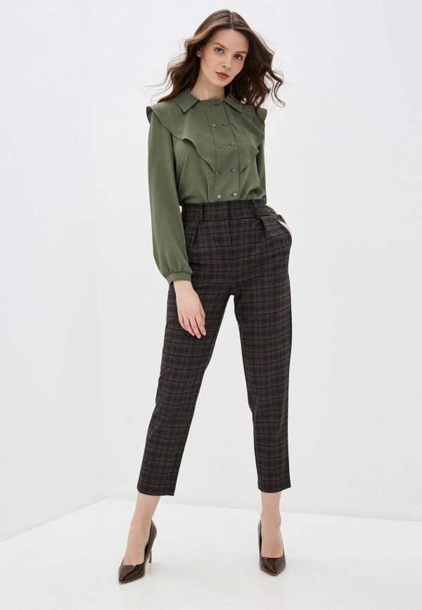 Фото 2 - Женские брюки Arianna Afari коричневого цвета