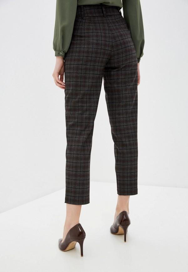 Фото 3 - Женские брюки Arianna Afari коричневого цвета