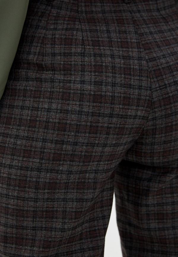 Фото 4 - Женские брюки Arianna Afari коричневого цвета
